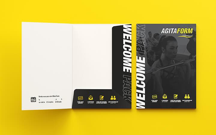 Pochette du pack de bienvenue avec un visuel sur mesure, selon l'identité visuelle d'Agitaform.